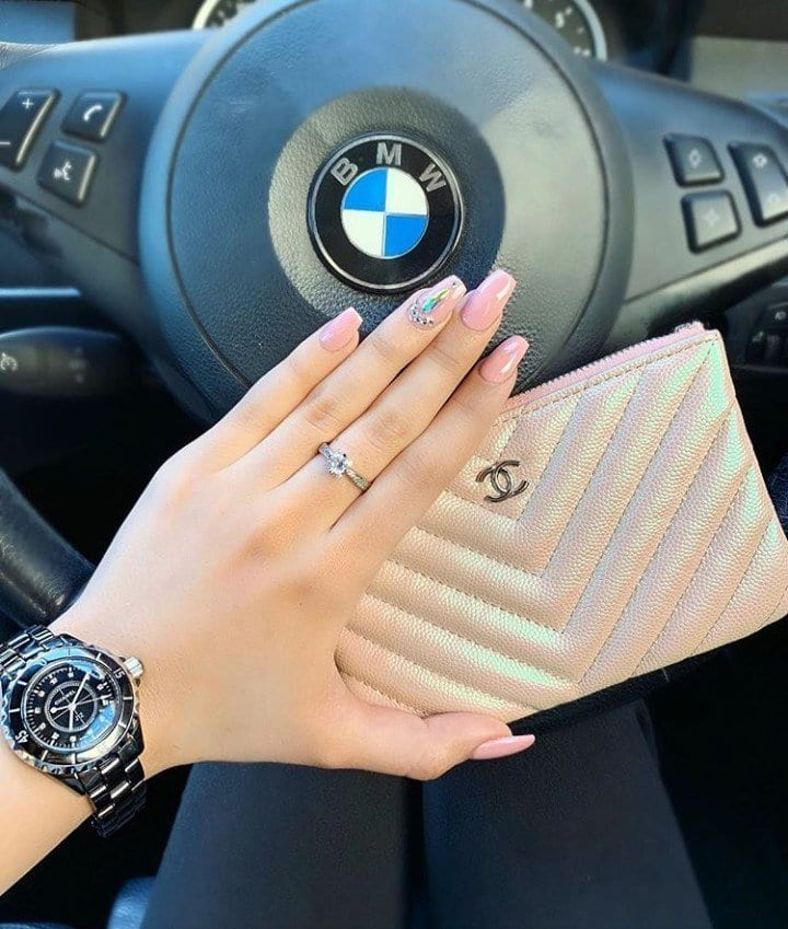 10 Must- Have Fashion Accessories For Every Woman, Fashionista Or Not
