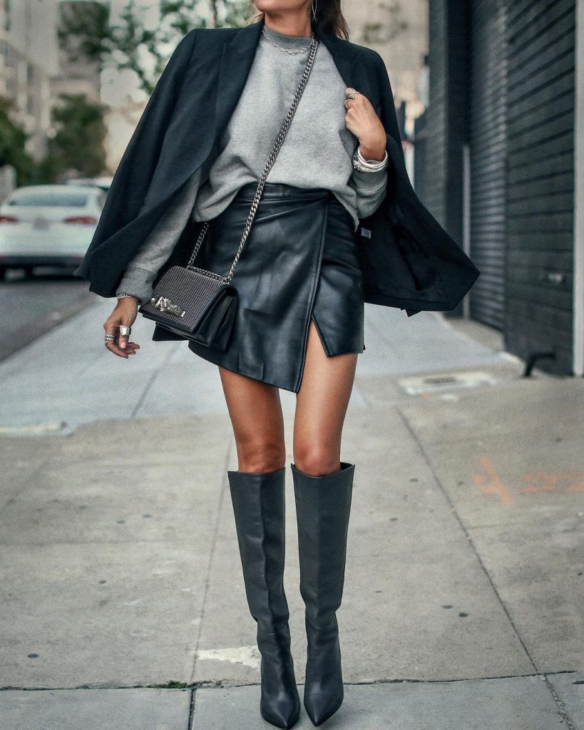 Stylish Oversized Sweater Outfits To Inspire Your Fall Wardrobe